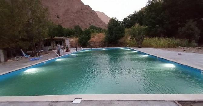 Hakkari'de yarı olimpik yüzme havuzu açıldı