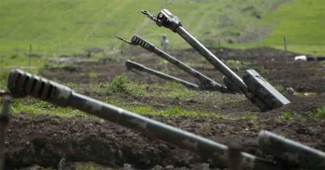 Azerbaycan, Ermenistan'ı 'insani ateşkesi' ihlal etmekle suçladı