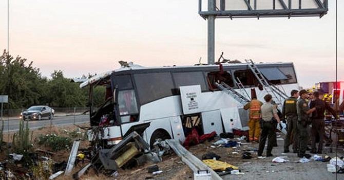 Otobüs kalabalığa daldı: 34 kişi hayatını kaybetti