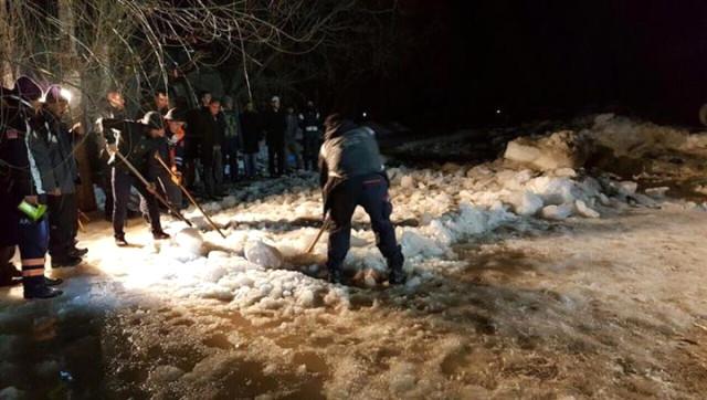 Buz Tutan Göle Düşen 6 Yaşındaki Çocuk Hayatını Kaybetti