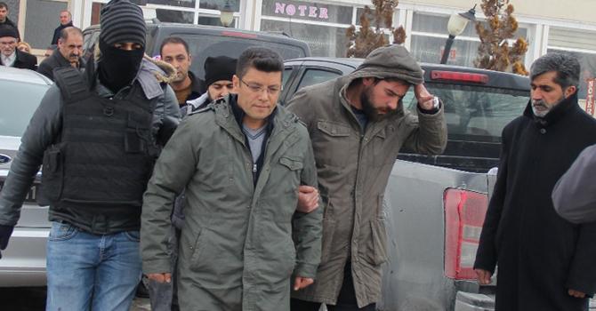 Muradiye'de Belediye Eşbaşkanı tutuklandı