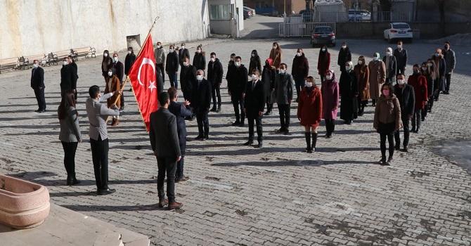 Hakkari'deki okullarda İstiklal Marşı töreni