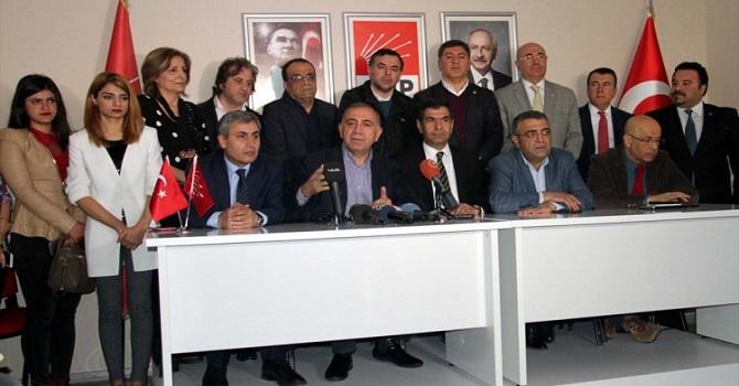 """CHP Heyeti Diyarbakır'da Kürtçe """"Hayır"""" şarkısı ile kampanya başlattı"""
