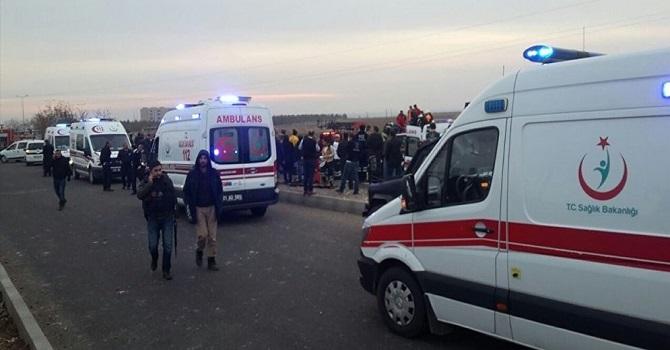 Sur'da polise bombalı saldırı