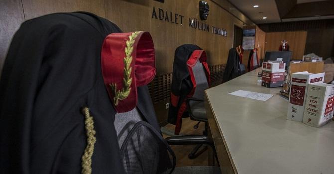 HSYK, 202 hakim ve savcıyı meslekten ihraç etti