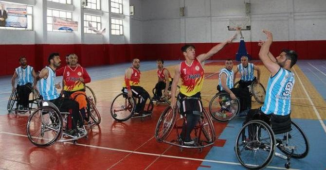 Hakkari'de Engelli Basketbol Maçı
