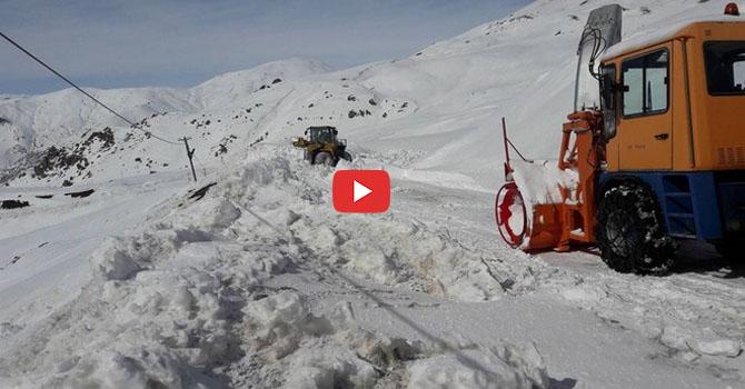 Hakkari Merga Bütan Kayak Merkezi yolunda mahsur kalanlar kurtarıldı