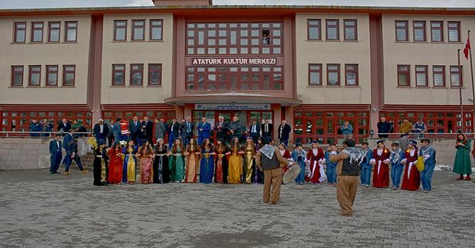 Hakkari Belediyesi Newroz etkinliği düzenledi
