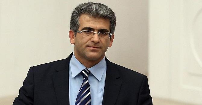 Adem Geveri, Yüksekovalı öğrencilerin taleplerini Bakan'a sordu