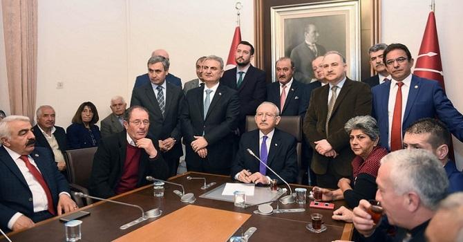 Kemal Kılıçdaroğlu, muhtarlarla buluştu