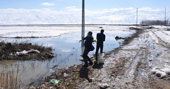 Yüksekova'da Larvalara karşı İlaçlama Çalışması Başlatıldı