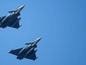 ABD ve Rus uçağı Suriye semalarında karşı karşıya