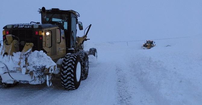 Yüksekova'da Kandilli (Anürê) köyün yolu ulaşıma açıldı