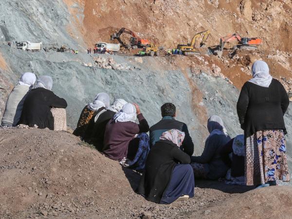 Şirvan'da 142 madenci daha işten çıkarıldı