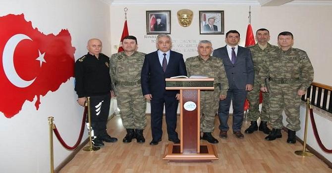Korgeneral Arif Çetin Vali Toprak'ı ziyaret etti
