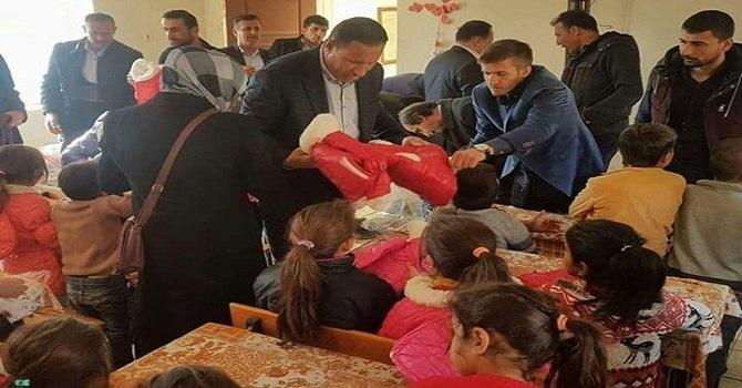 Ak Parti Hakkari il Başkanından öğrencilere yardım