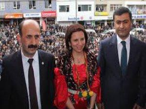 HDP'li üç vekilin dosyası Hakkari'den alındı