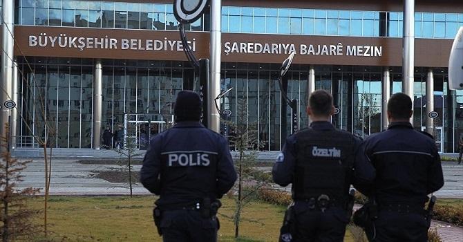 Van Büyükşehir Belediyesi'nde 34 kişinin işine son verildi
