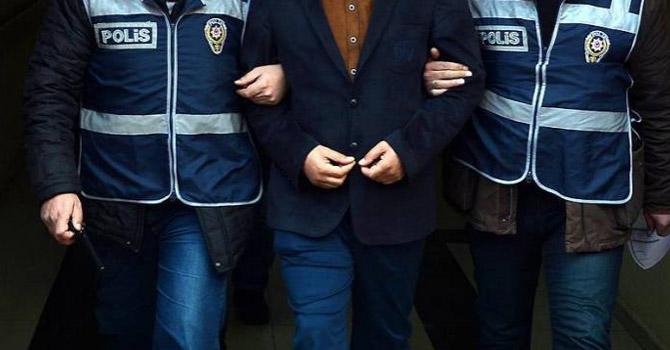 Şemdinli'de 1 Öğretmen Gözaltına Alındı