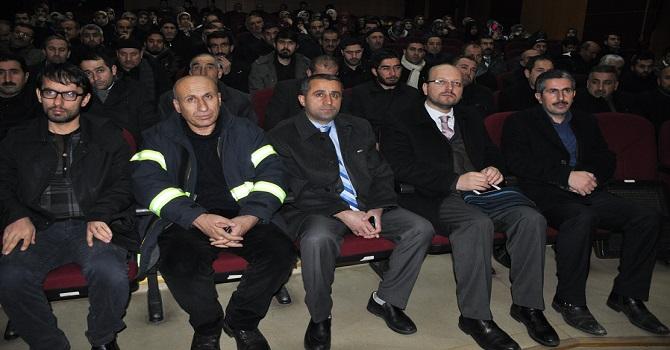 Yüksekova'da İmamlara ve Kuran Kursu Öğrencilerine Seminer