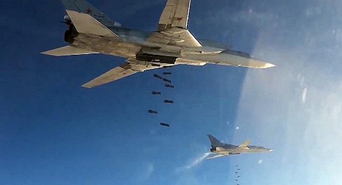 Rusya, Deyr ez Zor'da IŞİD'i vurmaya devam ediyor