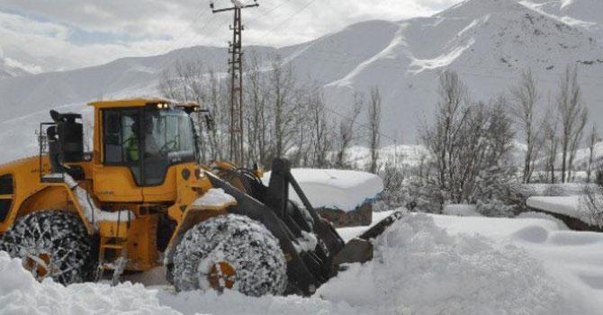 Hakkari'de 14 köy ve 71 mezra yolu kapalı