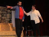 Hakkari'de 'Mamoş' oyunu sahnelendi