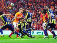 Galatasaray ve Fenerbahçe 0-0 berabere kaldı.