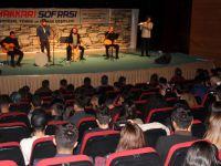 Grup Alzaymır Hakkari'de ikinci kez sahne aldı