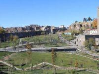 Sur'da 8 bin yıllık tarihin üstü örtüldü
