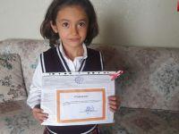 Türkiye birincisi Hakkarili Ronahi Kaya karnesini böyle aldı