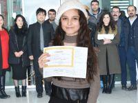 Gazeteci Dalmaz'ın kızı Van'da okul birincisi oldu