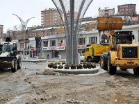 Hakkari ve Yüksekova'da karla mücadele çalışması