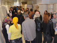 Hakkari'de halı kampanyasında izdiham yaşandı