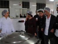 Üniversite öğrencileri Yüksekova'daki fabrikaları gezdi
