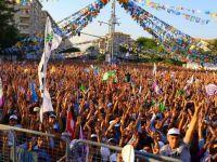 Buldan Diyarbakır'da 100 binlere seslendi