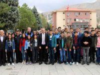 Hakkari'de 150 öğrenci İstanbul ve Çanakkale'ye gitti