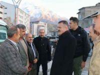 Vali Akbıyık, Hakkari'de esnafı ziyaret etti