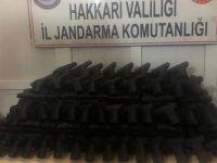 Hakkari'de kaçak sigara, tabanca ve takı çeşitleri ele geçirildi