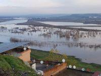 Diyarbakır'da sel uyarısı: Baraj kapağı koptu ...