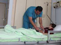 Filistinli Doktor, Hakkarili Hastalara Şifa Dağıtıyor VİDEO