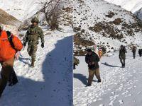 İran sınırında 8 kişi 64 av tüfeği ile yakalandı!