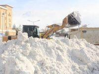 Yüksekova'da 6 mezra yolu ulaşıma kapandı