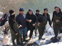 Yüksekova'da eksi 16 derecede balık avı!