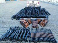 Hakkari'de 396 av tüfeği ele geçirildi!