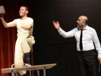 Hakkari'de 'Bir İshak'sın bir Cemil' oyunu oynandı