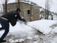 Hakkari'de 225 köy ve mezra yolu kapalı!