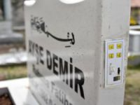 Konya'da konuşabilen mezar taşı yapıldı: Sure ve öz geçmiş okuyor