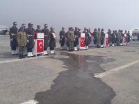 Hakkari'de şehit askerler için tören düzenlendi