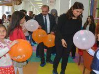 Eşbaşkanlar çocuk oyun merkezini ziyaret etti